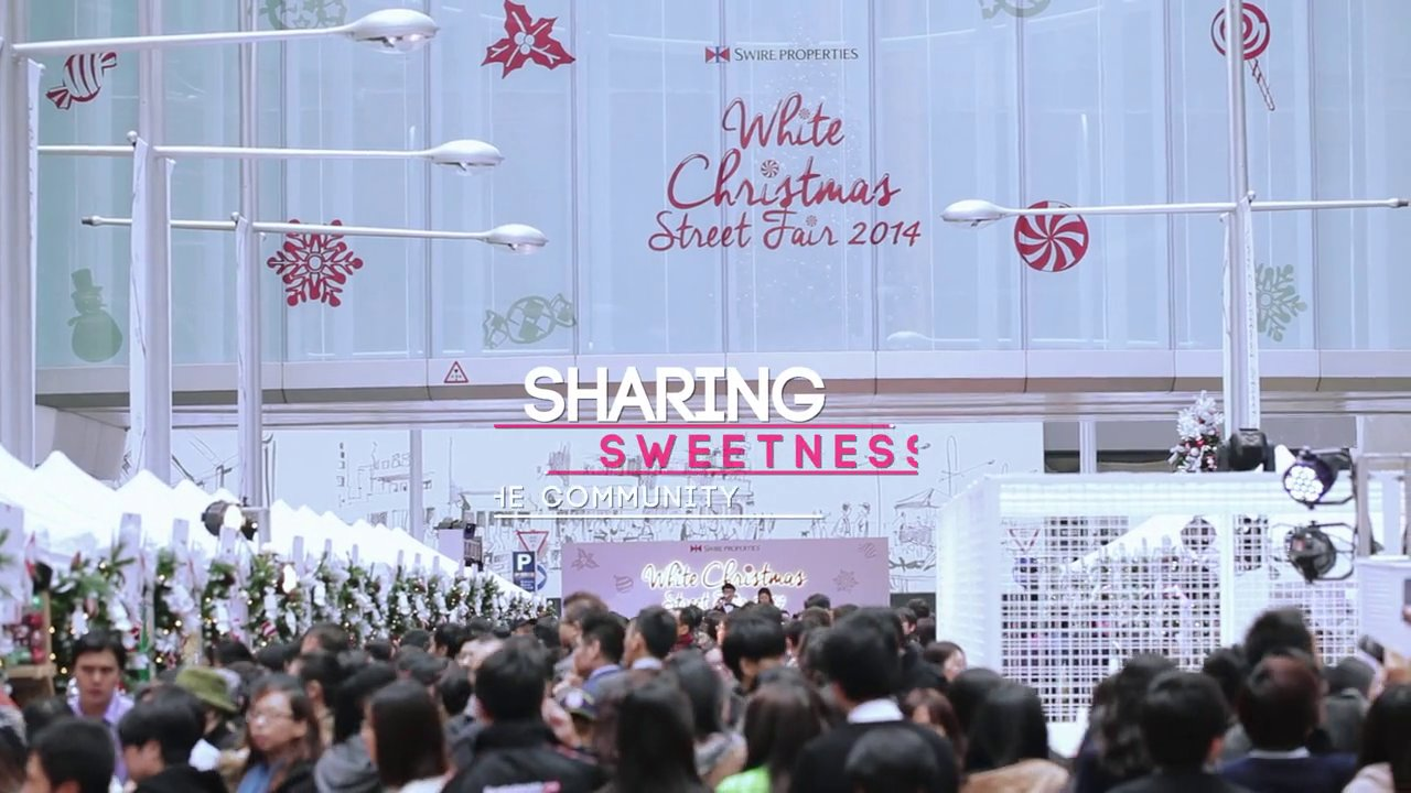 Taikoo Place | White Christmas Street Fair 2014